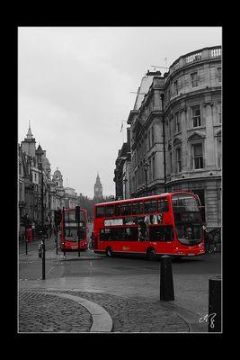 London in schwarz-weiss und rot (9)