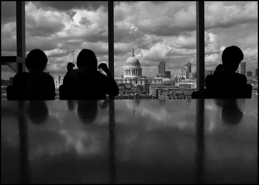 :::...London Life V...:::