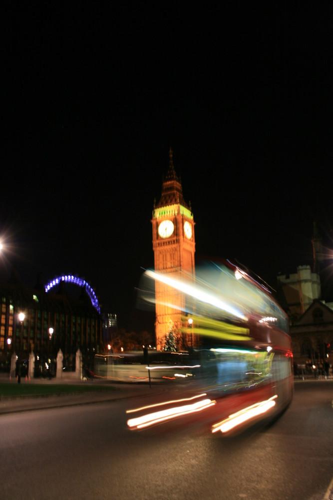 London mit Big-Ben und Bus
