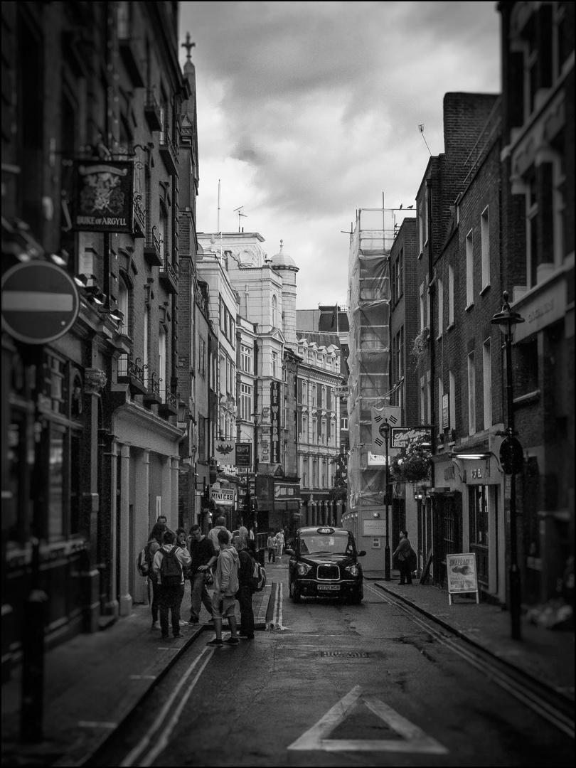 London N°100