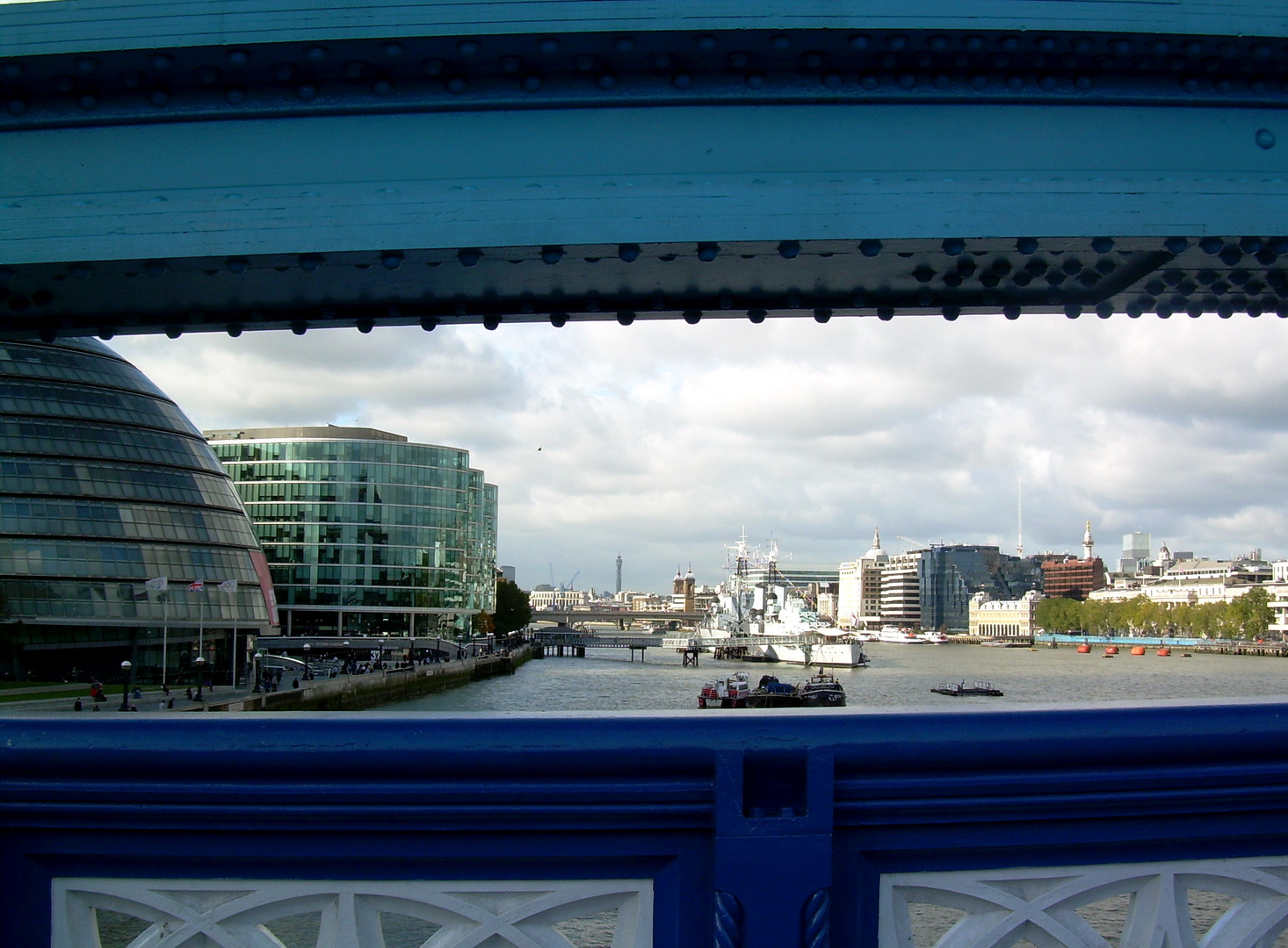 LONDON Tower Bridge!!