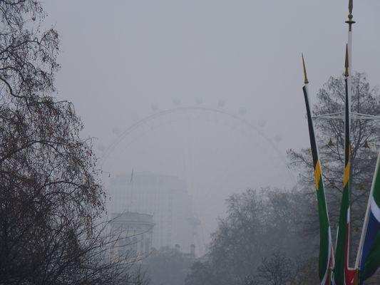 Londres dans le Brouillard .