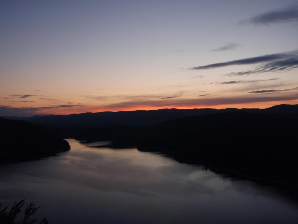 long fleuve tranquille