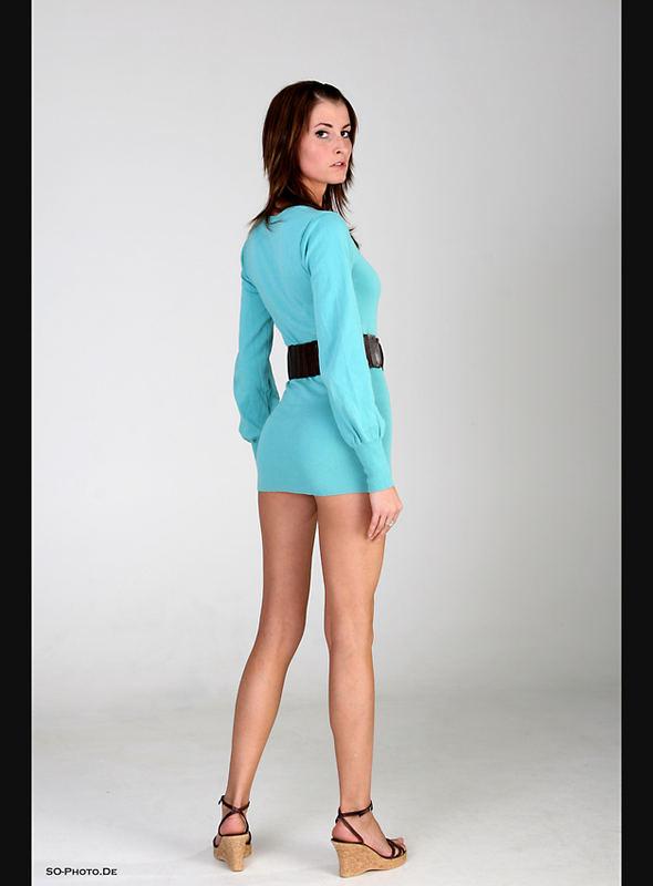 long legs - short sweater