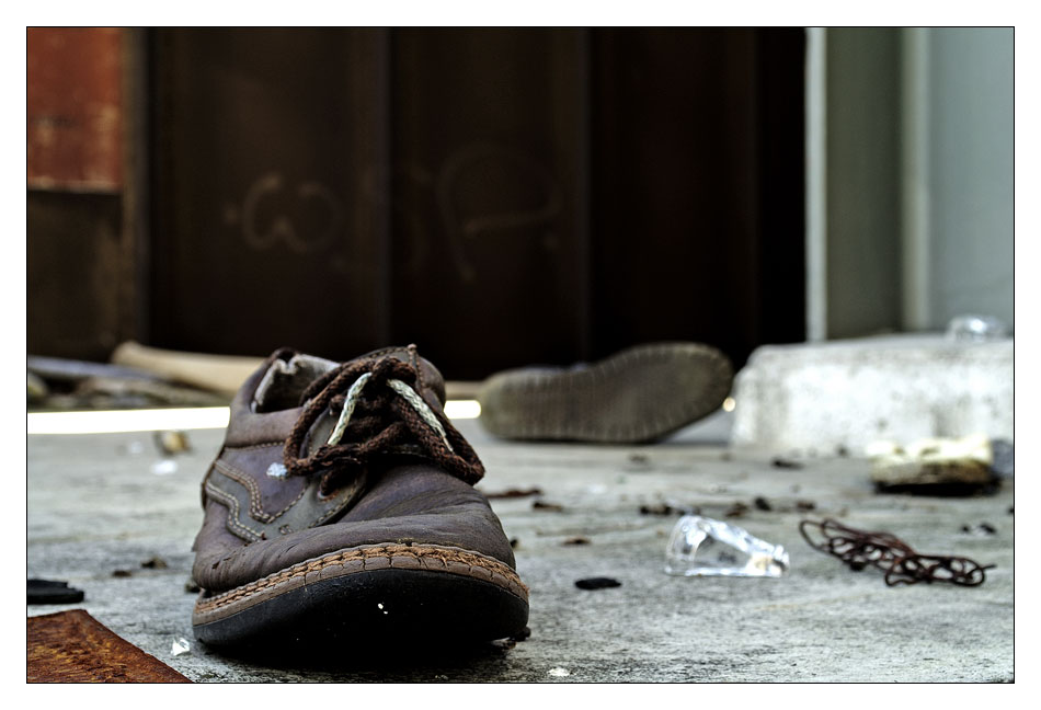 Lonley Shoe