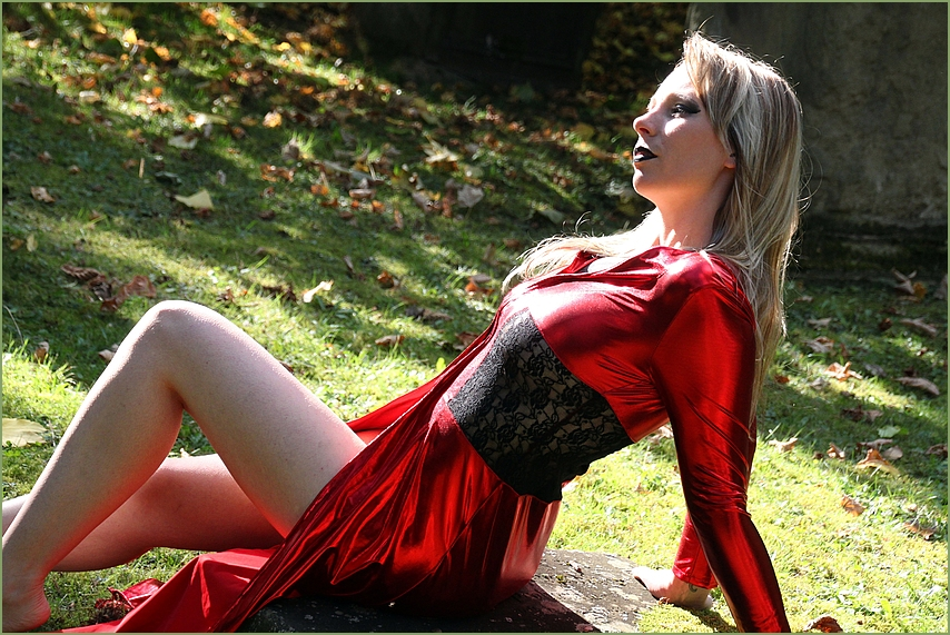 LOOK Red Dress Ni-59