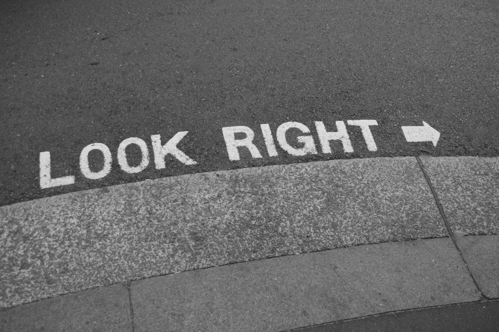 Look Right ->