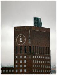 L`orlogio del Municipio di Oslo...Tea time :-))