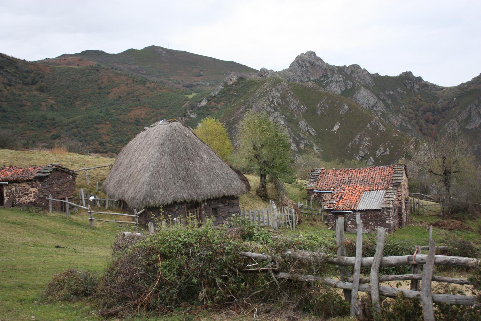 Los teitos en Asturias