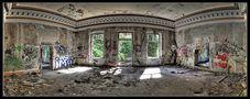 Lost Places - Vergessen - #2 (Alte Villa in Halle Saale II) von Ronald Sittinger