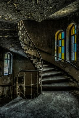 //lost stairs --_