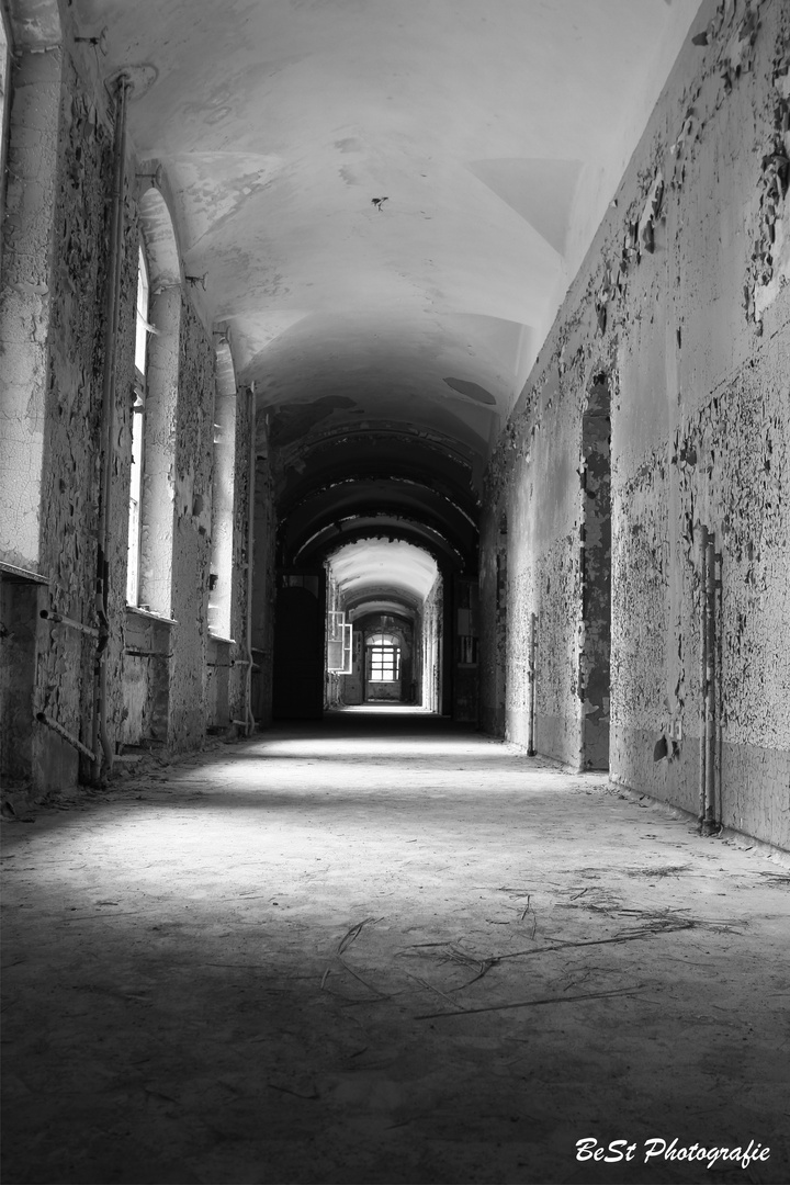 Lostplaces Frauen Klinikum Beelitz