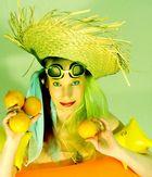 Lottis erster urlaub - freude über orangen 1