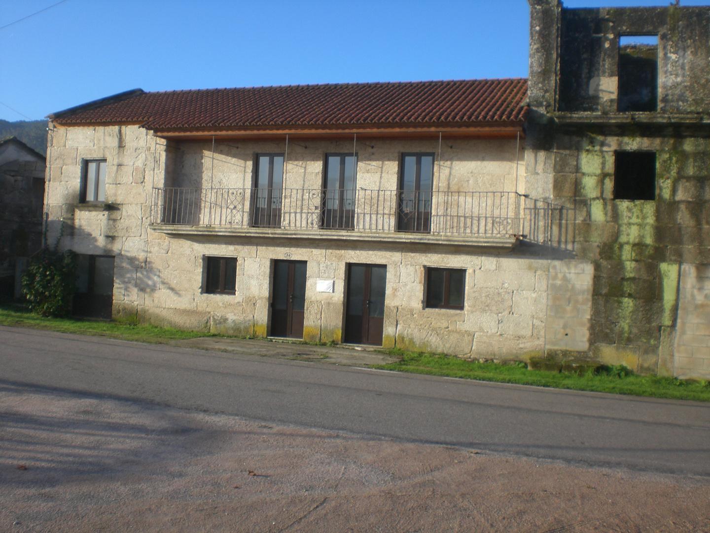 Lougares (escuela)