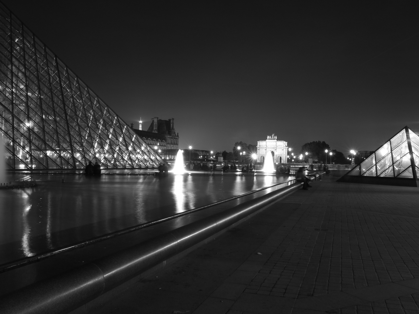 Louvre by night 2
