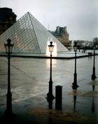 Louvre im Regen