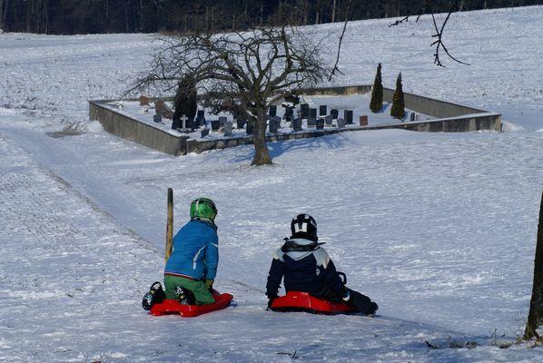 Lovatens (CH), 2012 Jeux de neige près du cimetière