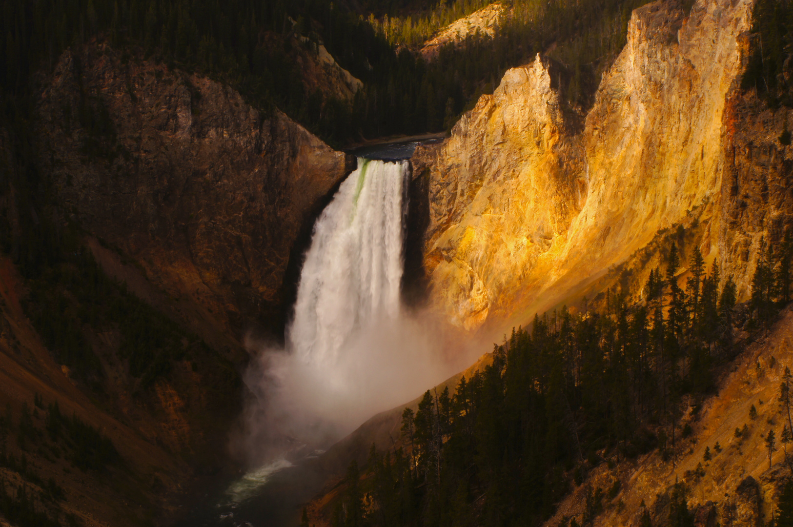 Lower fall Yellowstone river