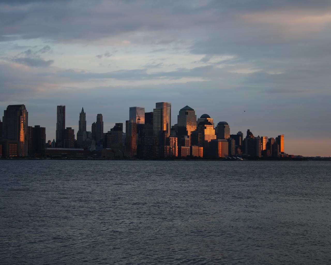 Lower Manhattan im Sonnenuntergang