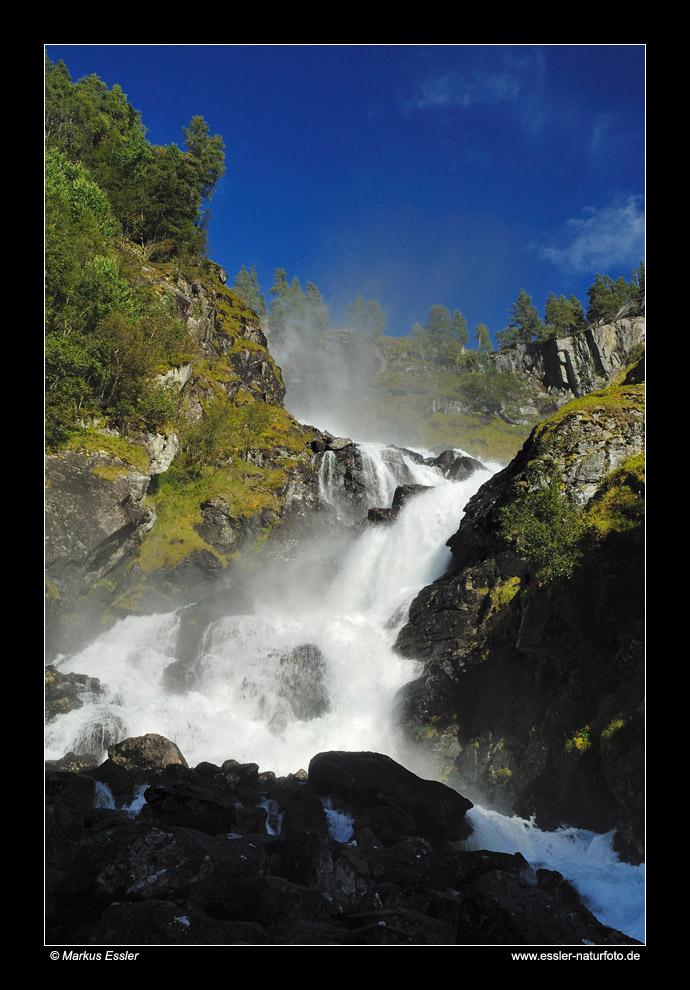 Låtefoss im Oddadalen • Hordaland, Norwegen (83-21875)