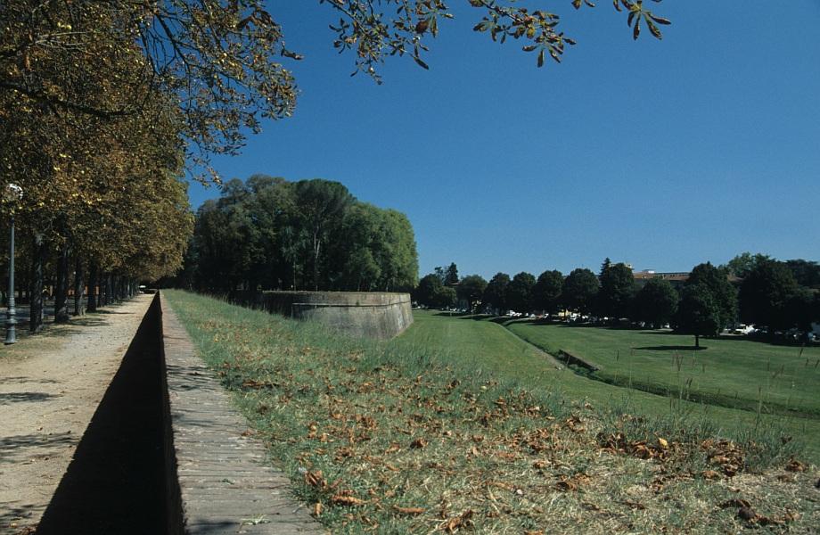Lucca, Auf der Stadtmauer