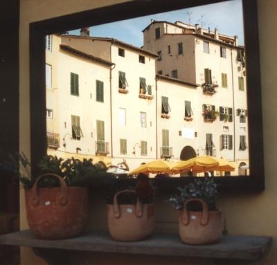 Lucca im Spiegel