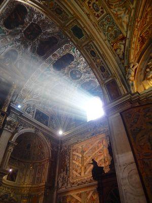 Luce in Santa Maria Maggiore ( Bergamo)