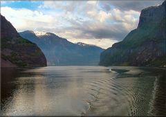 * Luce mattutina  al Fjord *