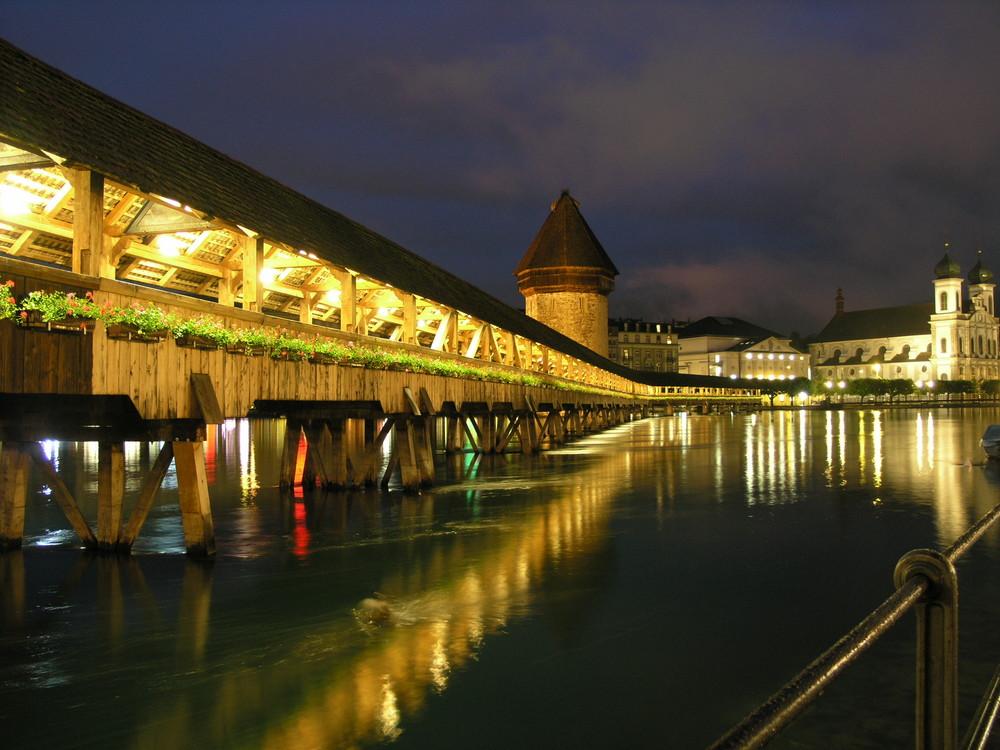 Lucerna by night