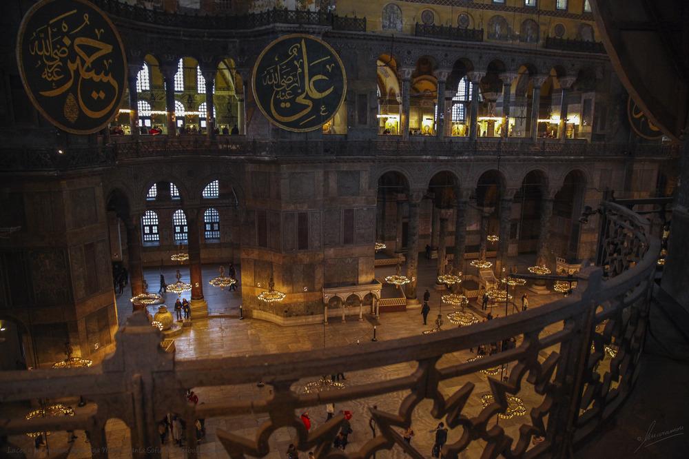 Luces y penumbras Ayasofya Museo Santa Sofia (Estambul Turquía)