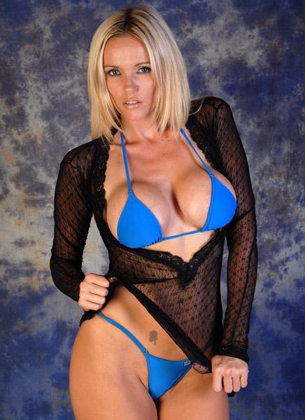 Lucy Zara 2