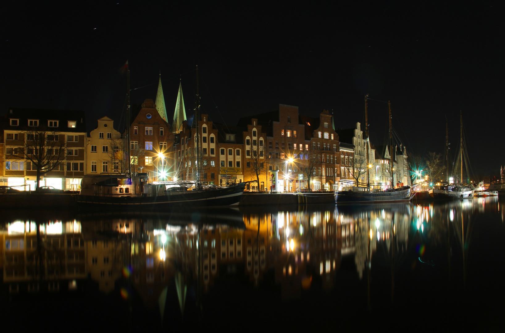 Lübeck bei Nacht 1