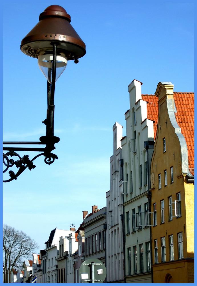 Lübecker Laterne bei schönem Wetter
