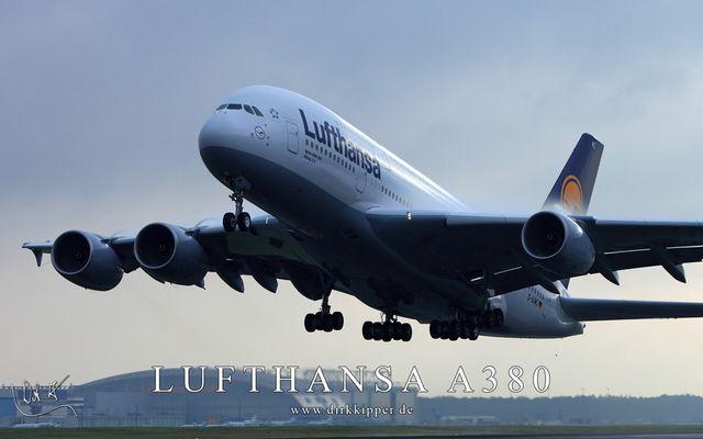Lufthansa A380 Peking beim Takeoff