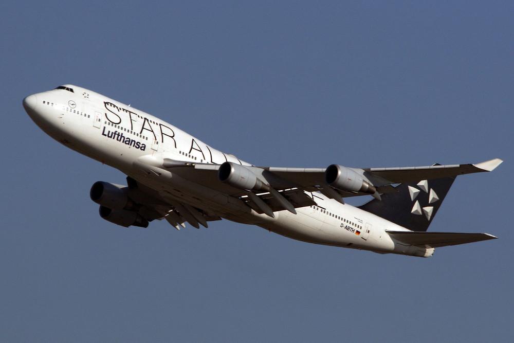 Lufthansa Boeing 747-430 (D-ABTH)