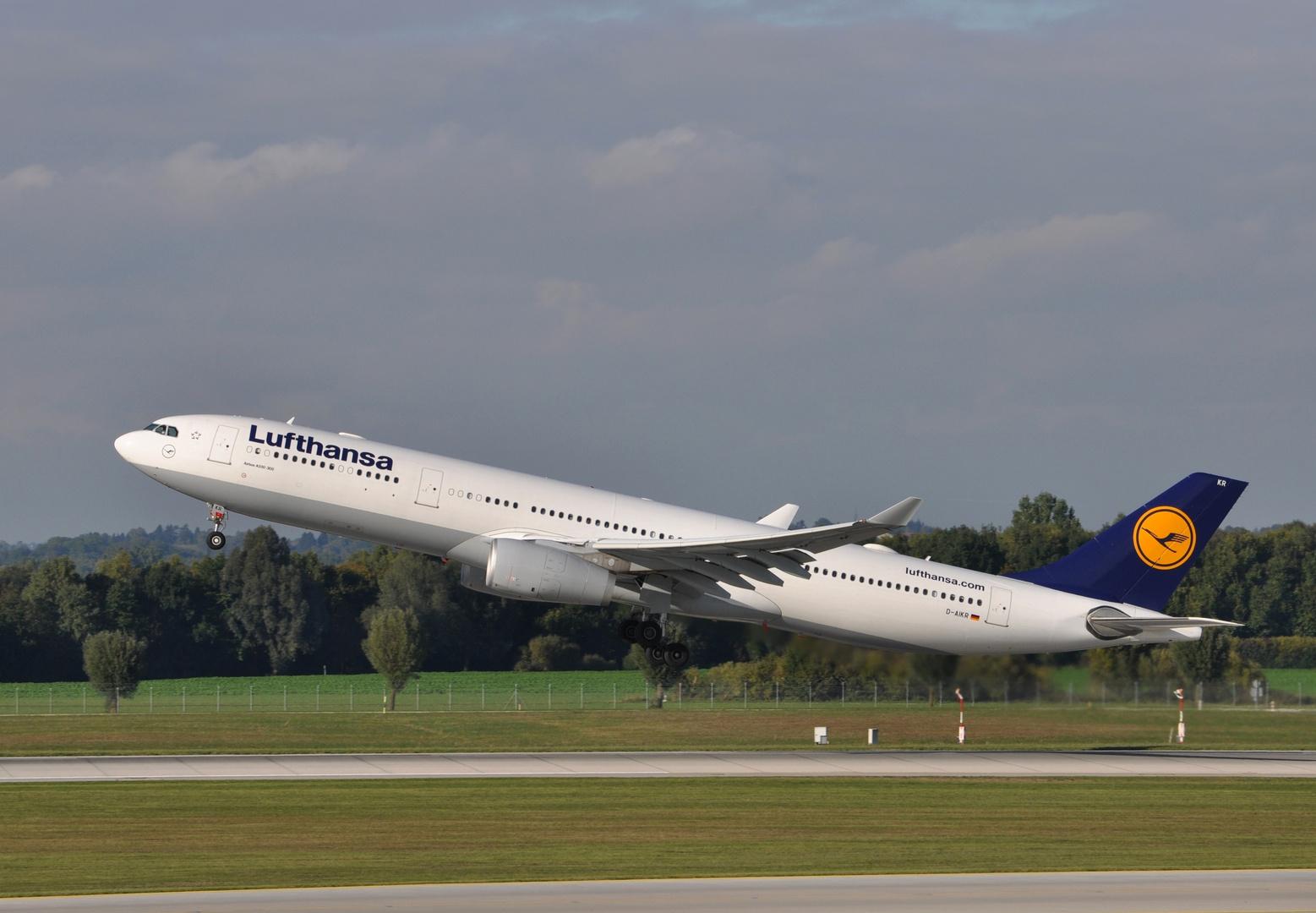 Lufthansa D-AIKR