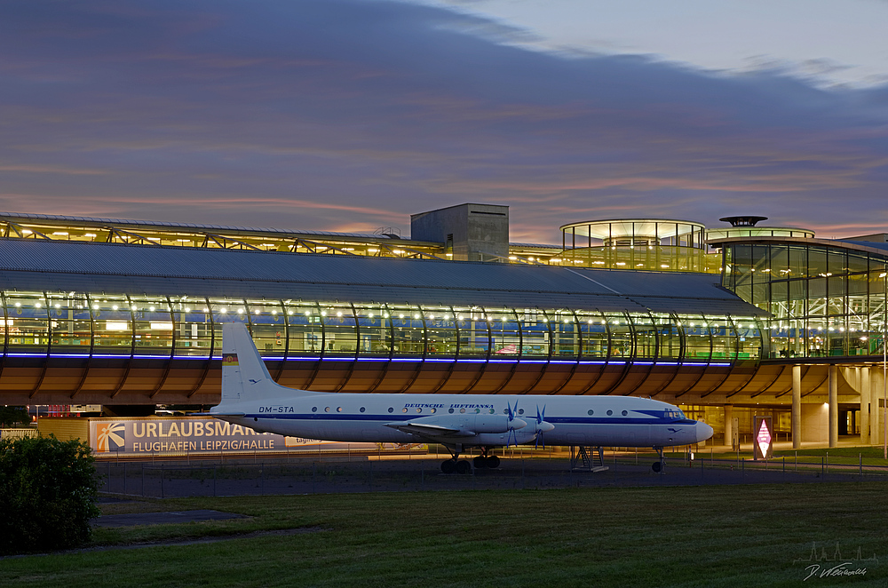 Lufthansa IL18 am Flughafen Halle/Leipzig Teil2