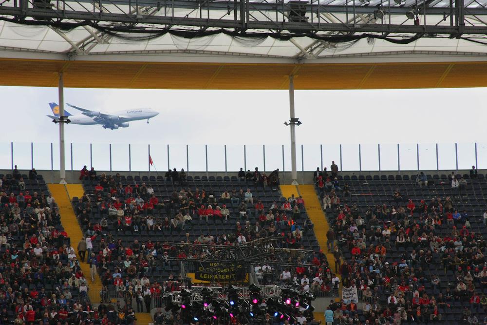 Lufthanse vs. Commerzbank Arena
