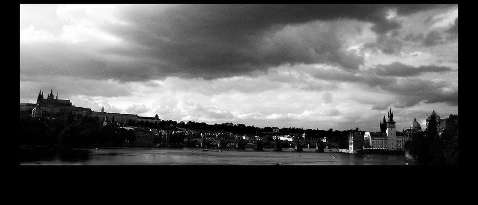 Luglio 2005...ricordi bagnati dal ponte Karlo