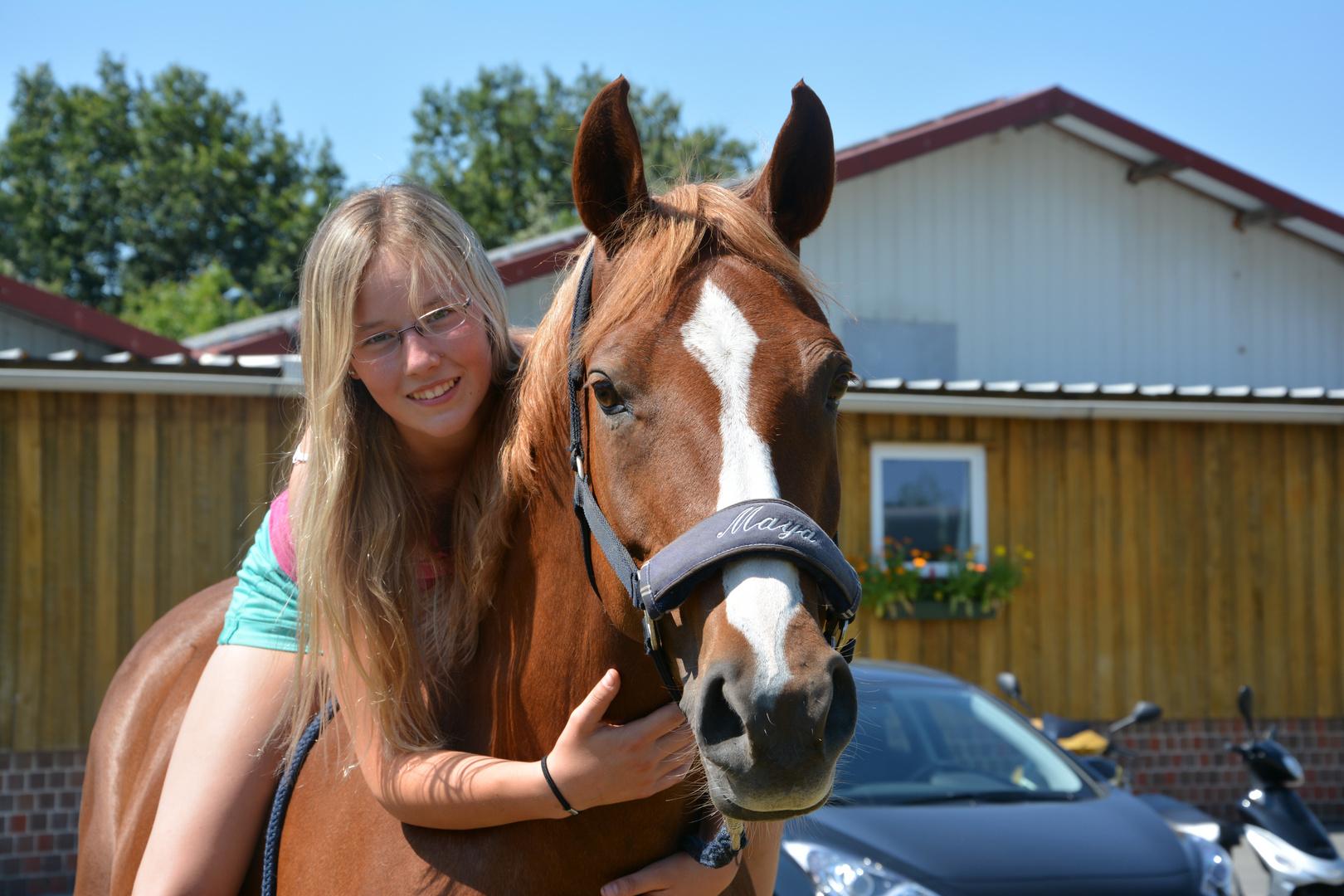 Luisa mit Pferd