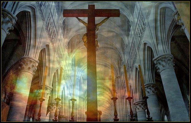 Lumières de feu dans la cathédrale