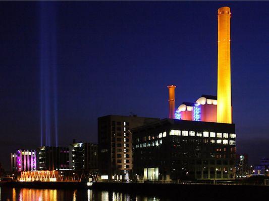"""Luminale 2006, Kraftwerk am Westhafen mit """"virtuellem Schornstein"""""""