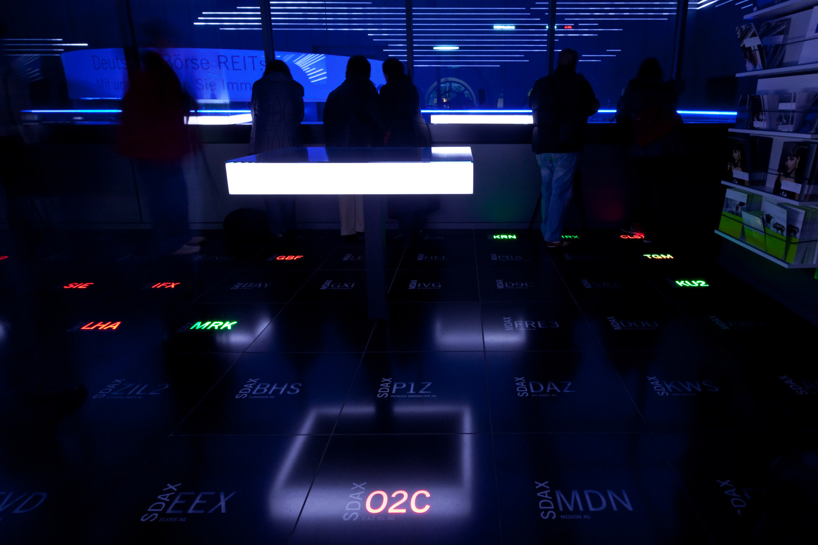 Luminale in der Börse - Blaue Nacht im Handelssaal