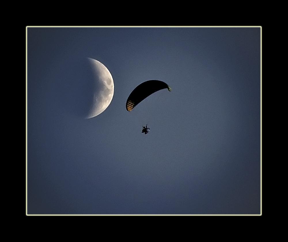 Luna Blanca, Luna Negra