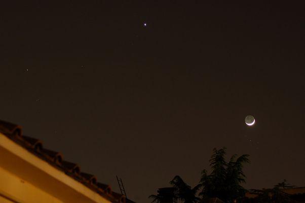 Luna in congiunzione con le Pleiadi