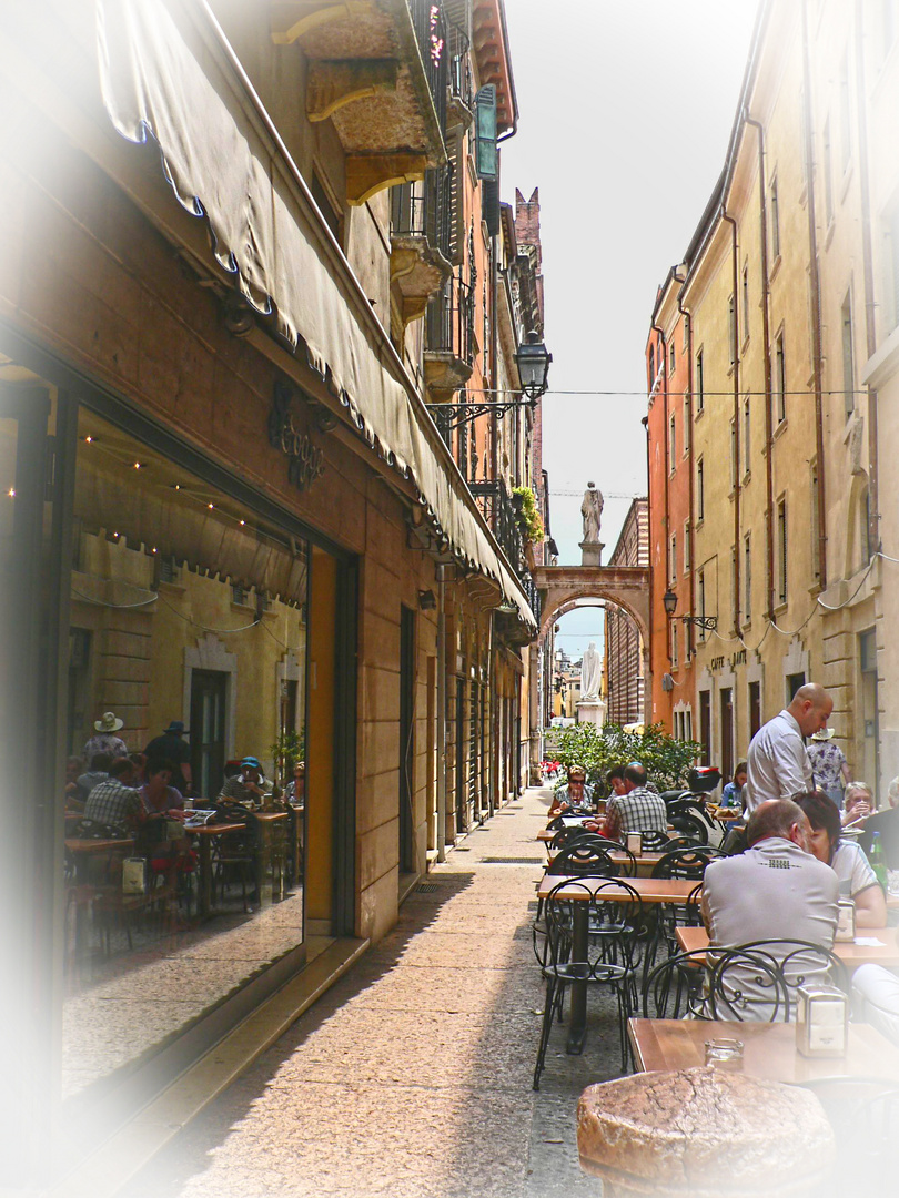 Lunch time in Verona