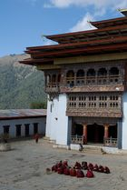 Lunchtime im Dzong