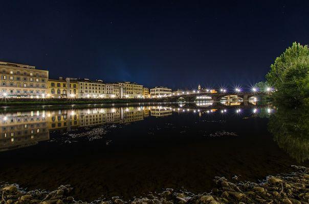 Lungarno A. Vespucci/Ponte alla Carraia/ - Firenze