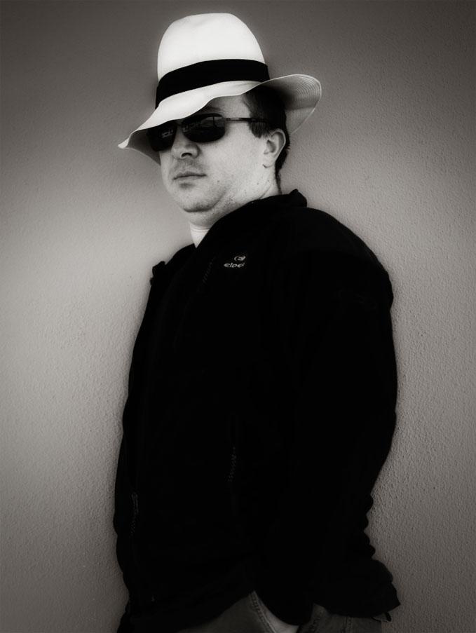 l'uomo col cappello