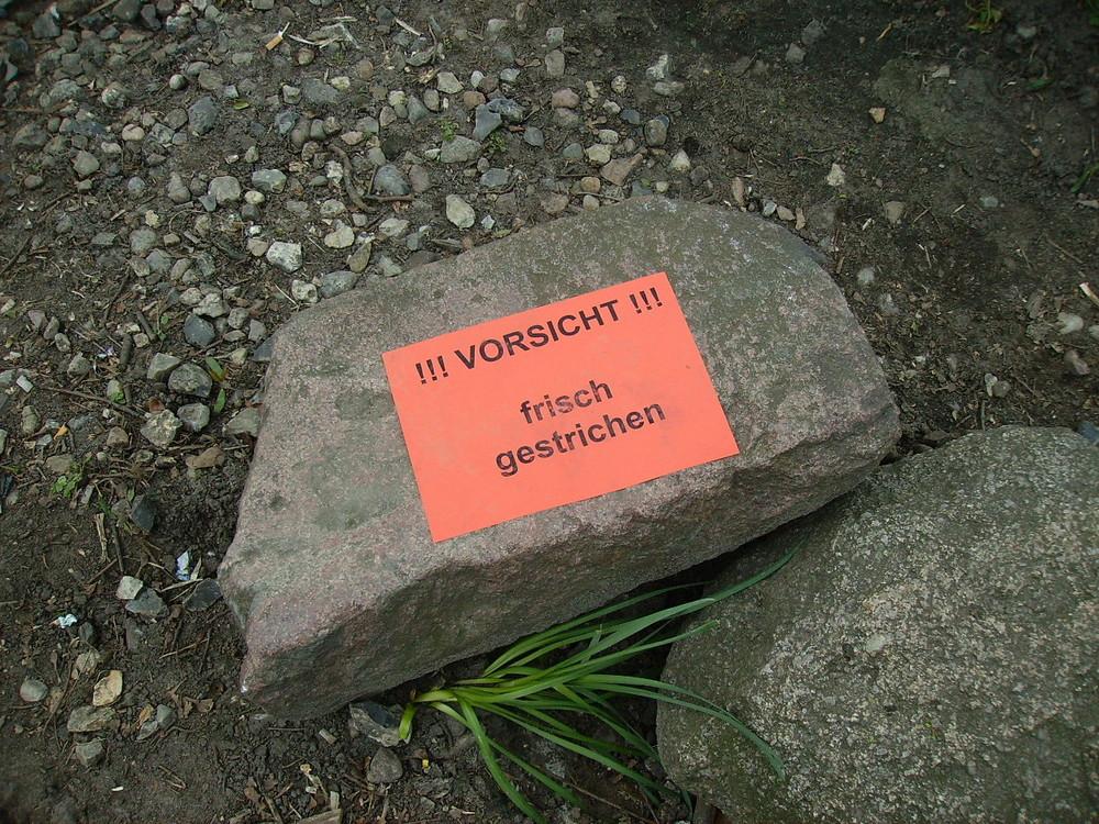 Lustiger Stein in Hamburg Planten un Blomen (Park)